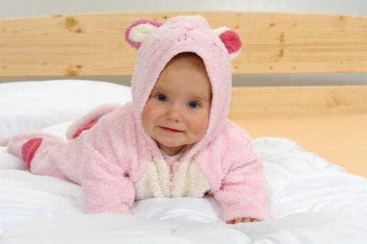 Letná detská perinka a vankúšik do postieľky biela