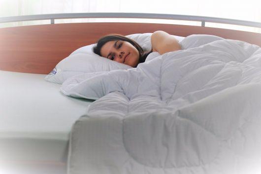 Zimná thermo perina AntiStress 140x200cm biela